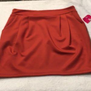 Shasa Burgundy Rust Mini w/Pockets & Pleated